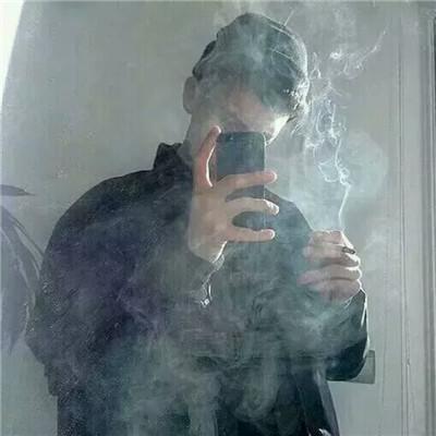 霸气十足抽烟男生系列微信头像下载