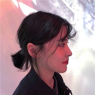 可爱好看微信韩范短发女生头像合集下载