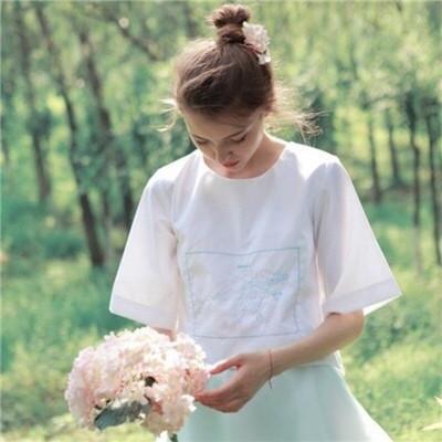 萌萌哒的微信小清新欧美女生头像套图下载_可爱激萌软
