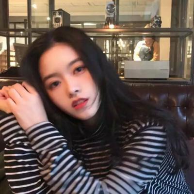 可爱迷人微信最新女神范美女头像套图下载_2018微信范