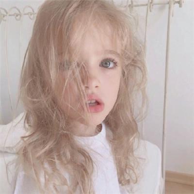 可爱萌萌哒的欧美风萌娃头像合集下载
