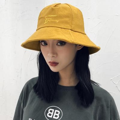 微信戴帽子女生頭像