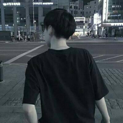 微信黑白高冷伤感男生头像