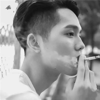 微信快手霸气社会抽烟男生头像