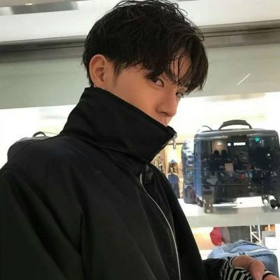2019微信帅气超拽男生微信头像合集下载