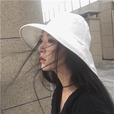 微信时尚文艺迷人女生头像